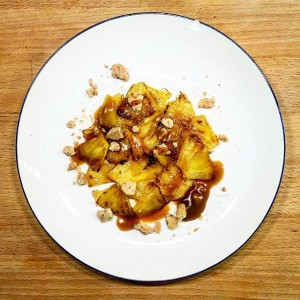 Ananas, caramel, biscuits - Copyright © Gratinez
