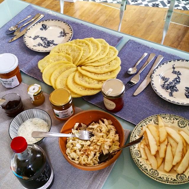 Parfait pour un brunch ! Baghrirs, crêpes mille trous – Copyright © Gratinez