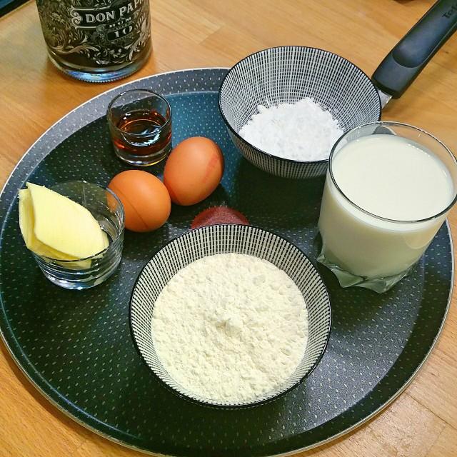 Les ingrédients pour une pâte à crêpes sucrées - Copyright © Gratinez