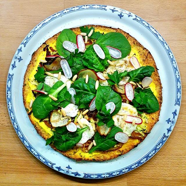 Pizza végétarienne à base de pâte de chou-fleur – Copyright © Gratinez