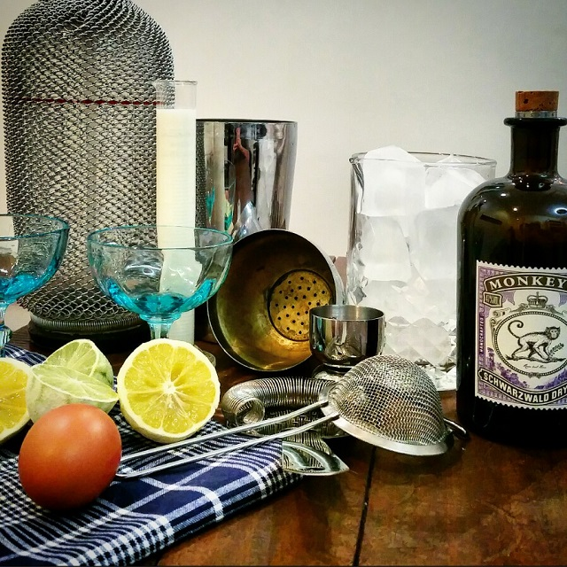Préparation du Ramos Gin Fizz cocktail – Copyright © Gratinez