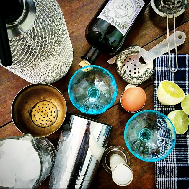 Ramos Gin Fizz en préparation – Copyright © Gratinez