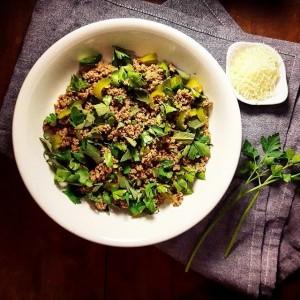 Salade de bœuf haché aux herbes fraiches – Copyright © Gratinez