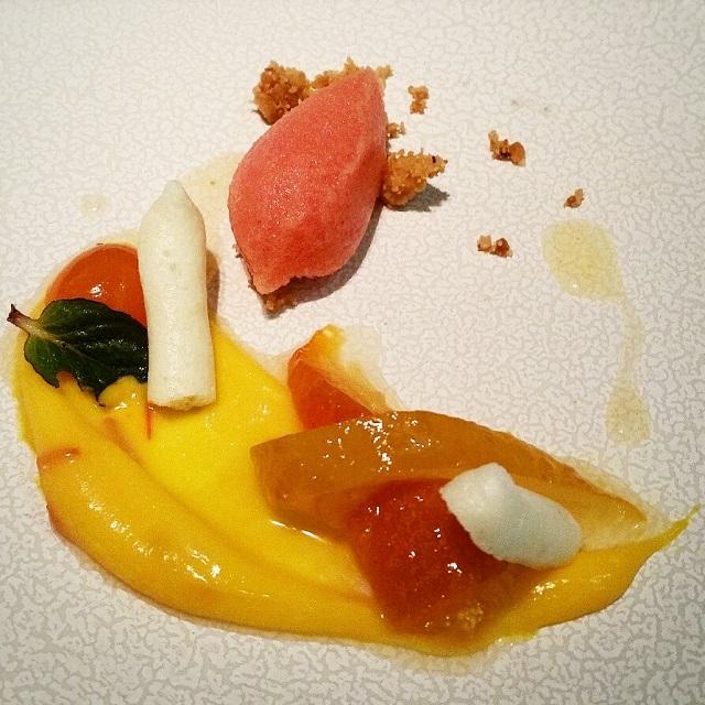 [Ze Kitchen Galerie] Agrumes confits, crème citron-safran, sorbet orange sanguine – Copyright © Gratinez