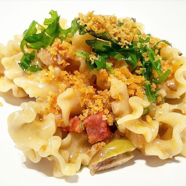 [Ze Kitchen Galerie] Pâte, Secreto, soubressade, condiment vierge olive, Taggiasche – Copyright © Gratinez