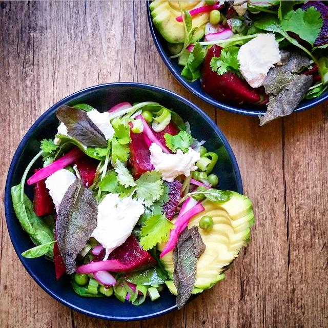 Salade de betterave et burrata au vert - Copyright © Gratinez