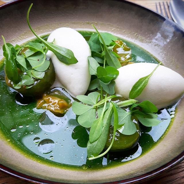 Sorbet aux pommes, reine Claude et herbes – restaurant Salt – Copyright © Gratinez