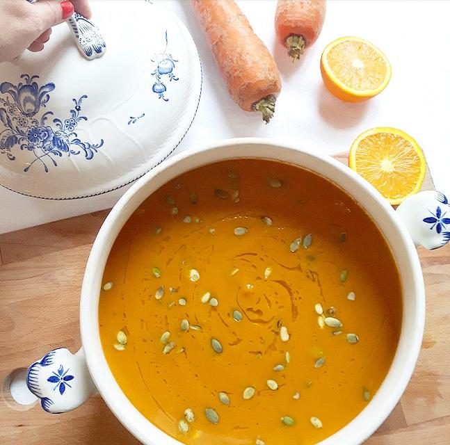 soupe carotte orange et curry doux gratinez. Black Bedroom Furniture Sets. Home Design Ideas