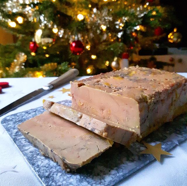 Foie gras maison à la Fève tonka et au poivre de la Jamaïque – Copyright © Gratinez