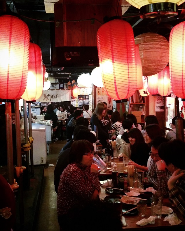 Ambiance décontacte à la Yakitori Alley – Copyright © Gratinez