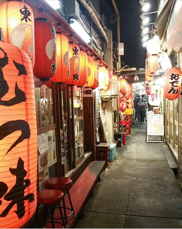 Yakitori Alley de Yurakucho – Copyright © Gratinez