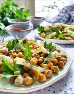 Pois chiches, fenouil bulbe et graines rôties – Copyright © Gratinez