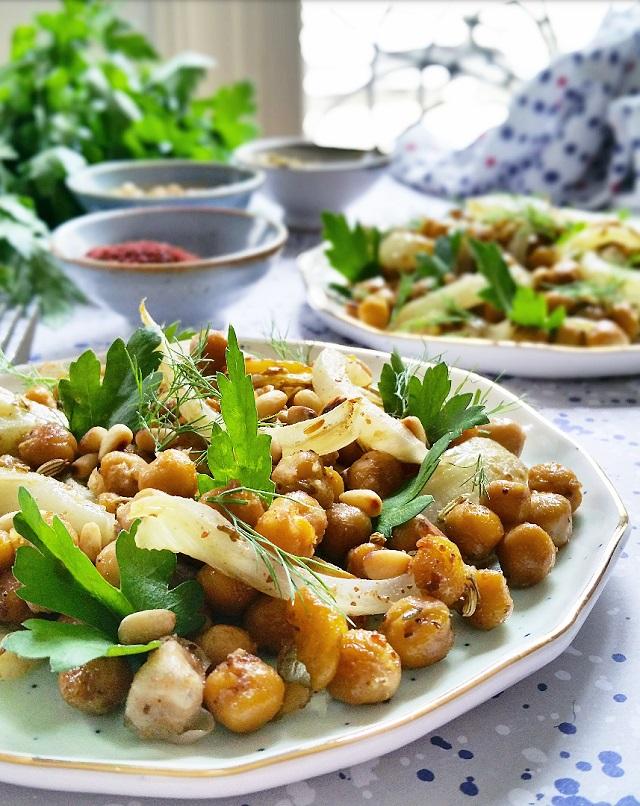 Salade de pois chiches, fenouil bulbe et graines rôties – Copyright © Gratinez