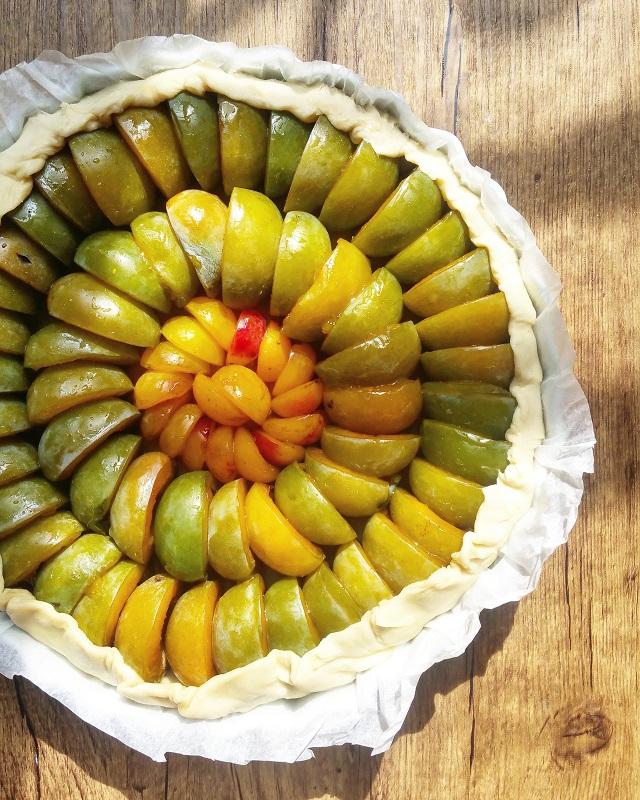Tarte aux Prunes Reines-Claudes, Mirabelles, et sirop au Curry – Copyright © Gratinez