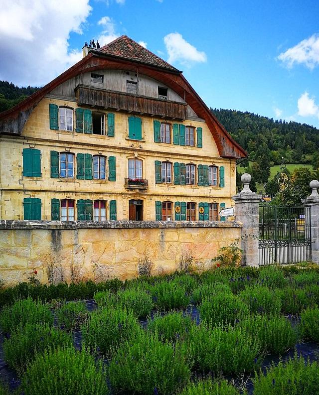 Maison d'Absinthe La Valote Martin, région Jura et Trois-Lacs – Copyright © Gratinez