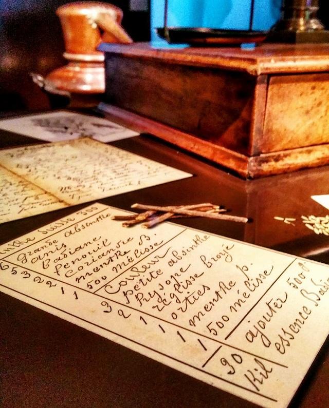 Recette de l'absinthe, musée de La Maison de l'Absinthe, région Jura et Trois Lacs – Copyright © Gratinez