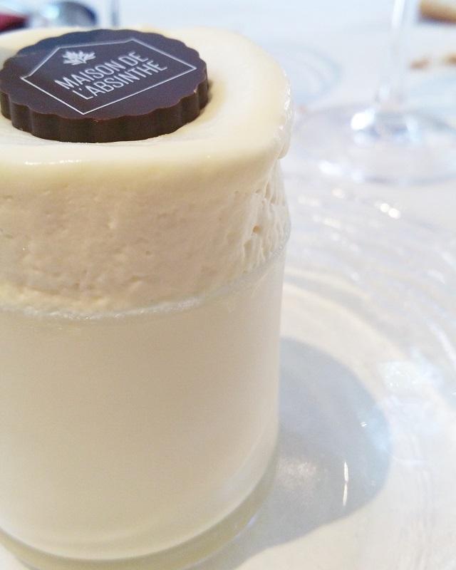 Soufflé Mitterand, ou soufflé glacé de la fée, Maison de l'Absinthe, région Jura et Trois Lacs – Copyright © Gratinez
