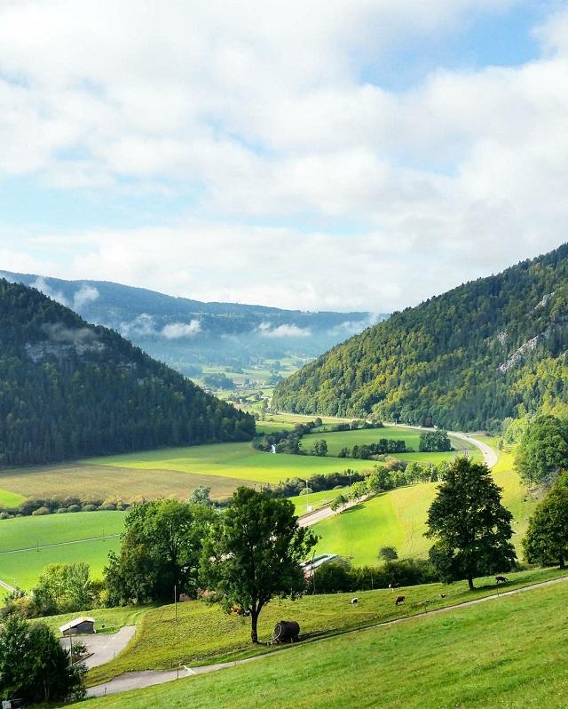 La Suisse, région Jura et Trois Lacs – Copyright © Gratinez