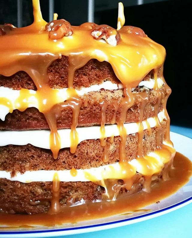 Banana Layer Cake, Caramel beurre salé – Copyright © Gratinez