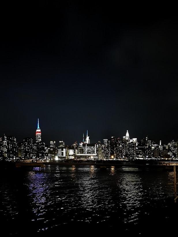 Brooklyn Barge – Copyright © Gratinez