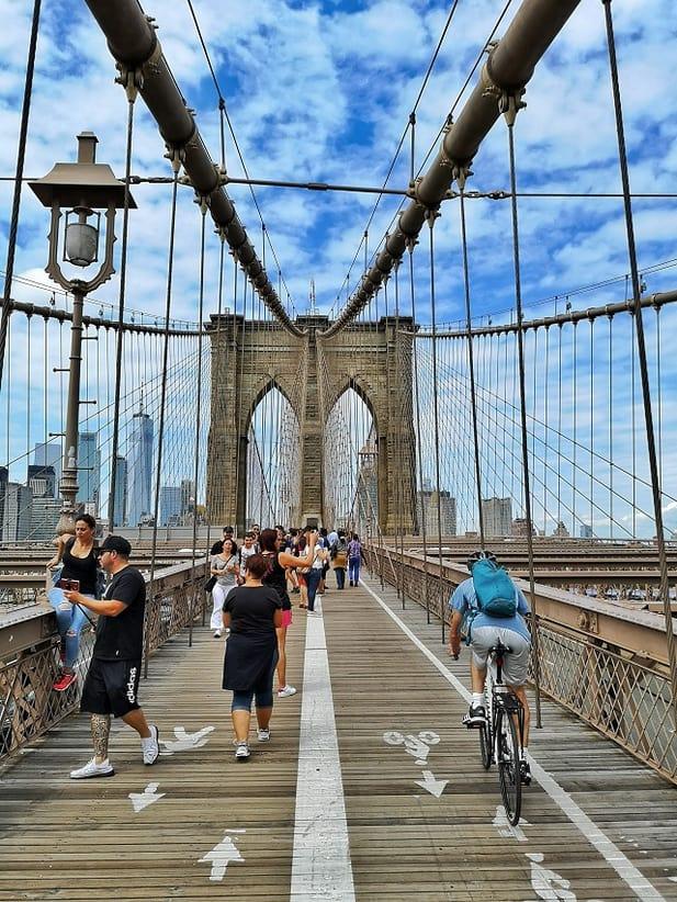 Brooklyn Bridge – Copyright © Gratinez
